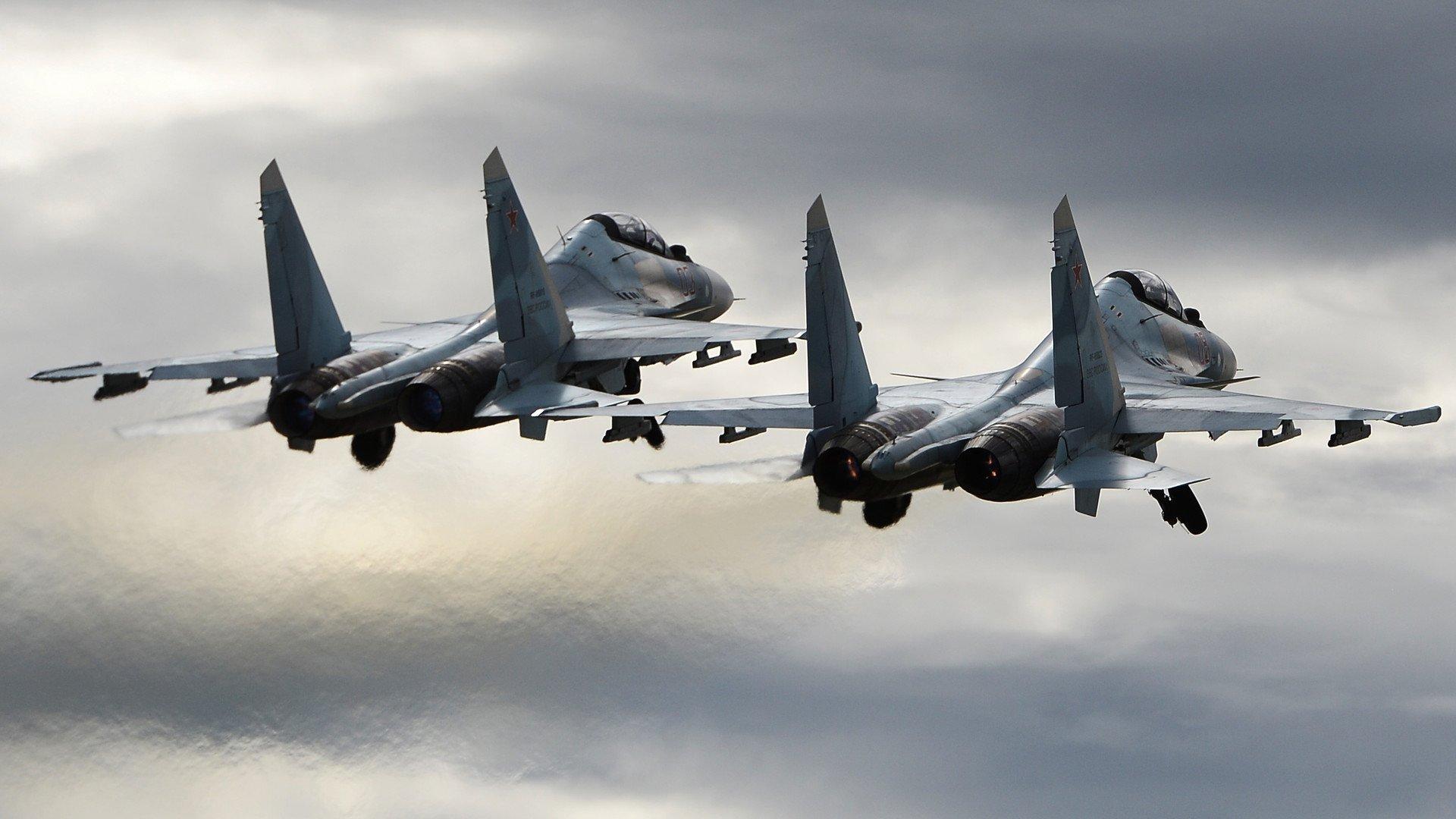 Росія перекидає у Крим бойові літаки: що відбувається