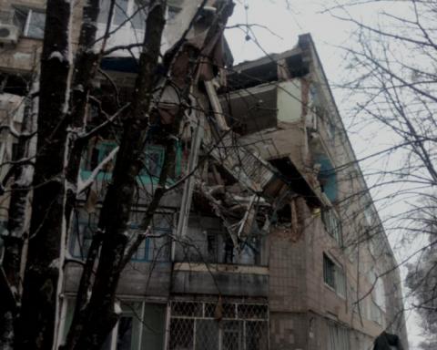 Під Києвом вибухнув і обвалився будинок: перші фото і відео
