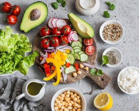 Как похудеть быстро и с удовольствием: врачи советуют фруктово-ягодную диету