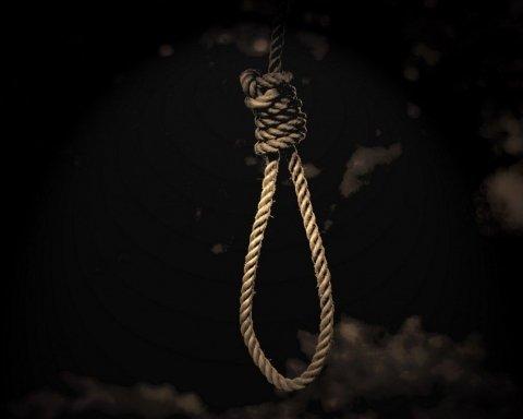 Самоубийство в прямом эфире: появилась прощальная записка парня из Мукачево
