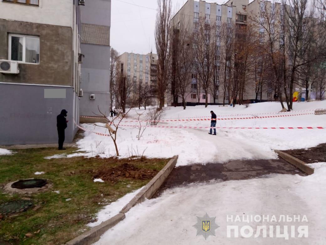 """Розстріляли копа та втекли: у Харкові сталася кричуща НП, введено план """"Сирена"""""""