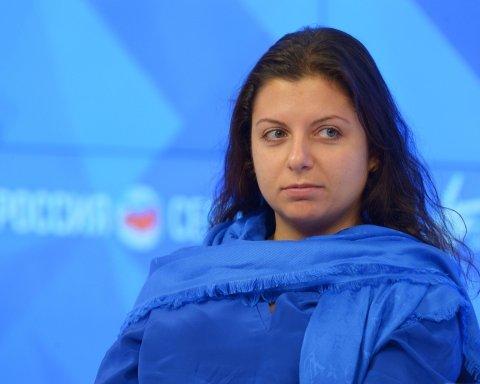 Известной российской пропагандистке плюнули в лицо: сеть смеется