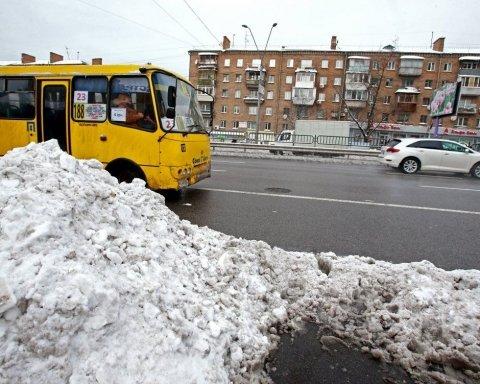 У Києві водій маршрутки жорстко покарав нахабного злодія: все потрапило на відео