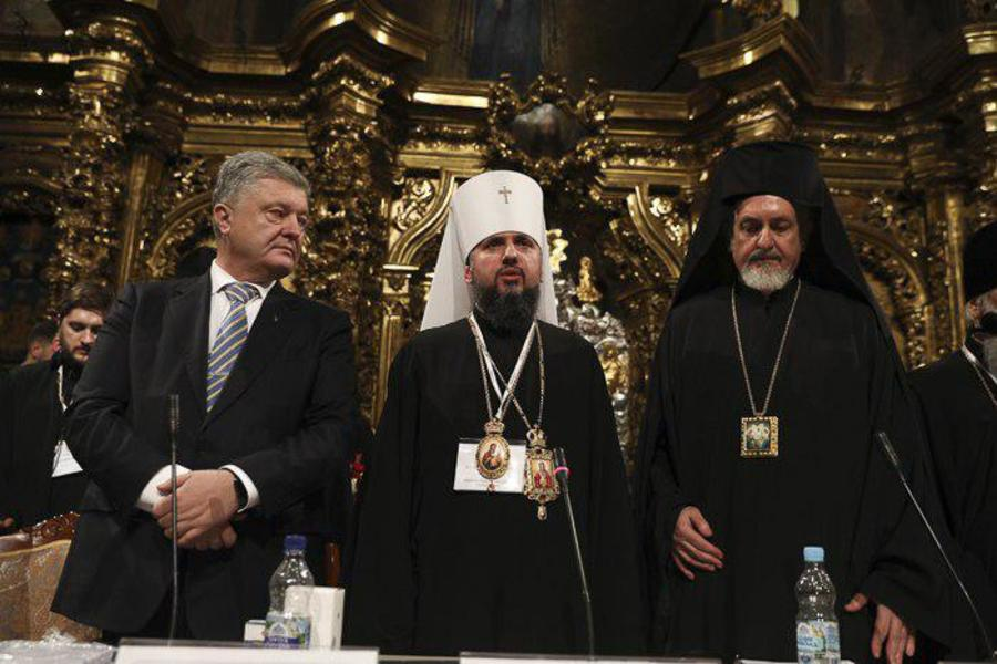 Томос стало відомо хто з української влади зустрінеться з Варфоломієм