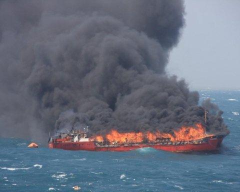 Пожар возле Керченского пролива: появились новое видео и данные о погибших