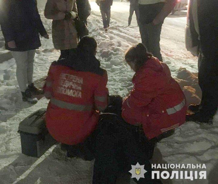 Зарізали на виході з маршрутки: під Києвом сталося жахливе вбивство