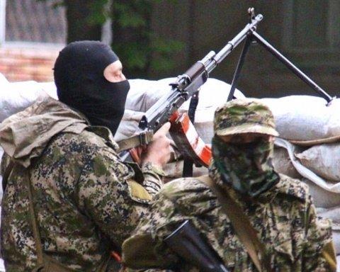 Шукають їжу на смітниках: у мережі показали, до чого бойовики довели Донбас