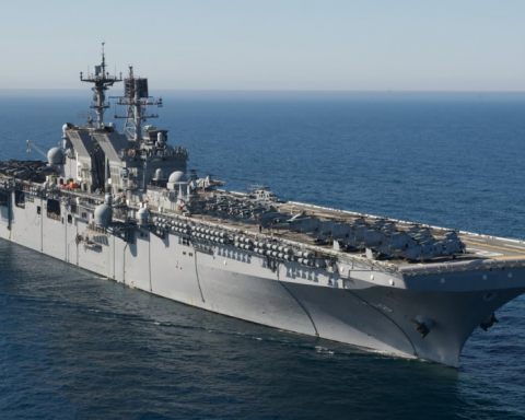 В Черное море направляется эсминец с ракетами: что намечается