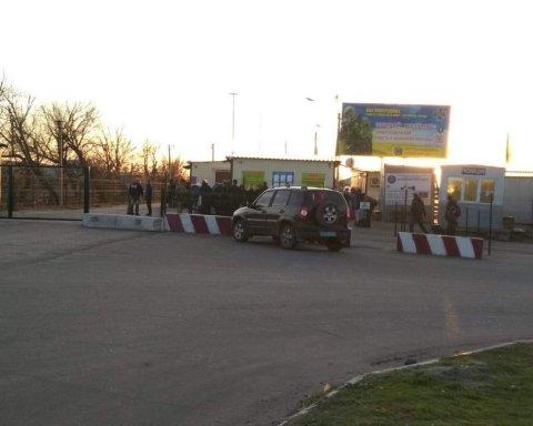 На окупованому Донбасі нова трагедія: біля «нульового» блокпосту помер чоловік
