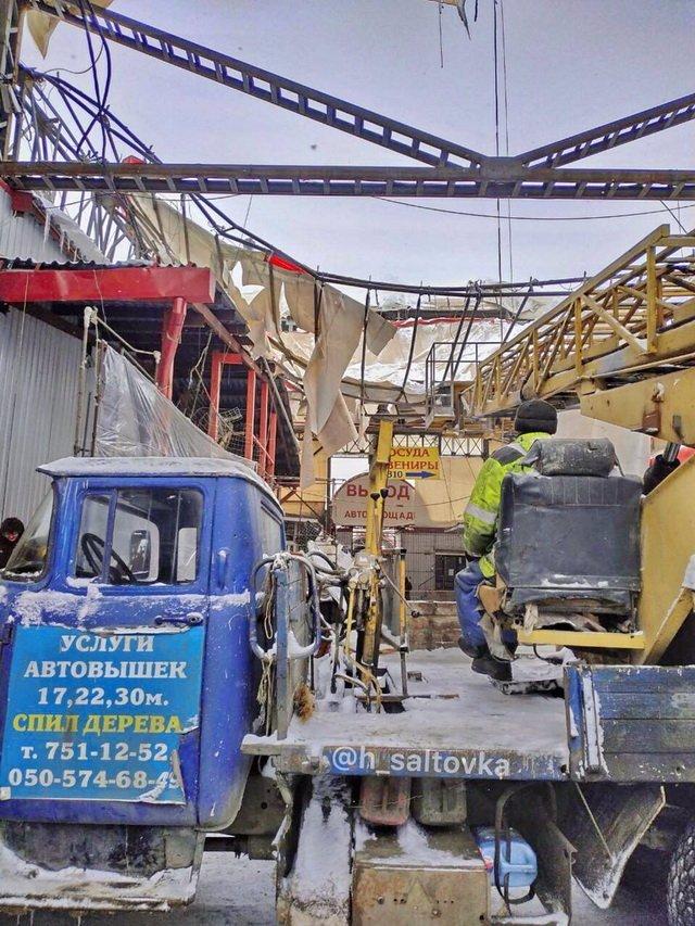 На большом рынке в Харькове обрушилась крыша: опубликовано фото