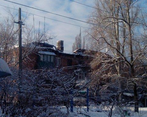 Боевики довели: на оккупированном Донбассе обвалился дом, все попало на фото