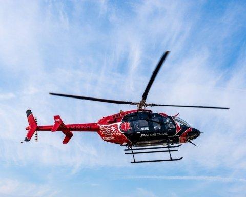 В США рухнул в лес медицинский вертолет, много погибших: кадры с  места ЧП