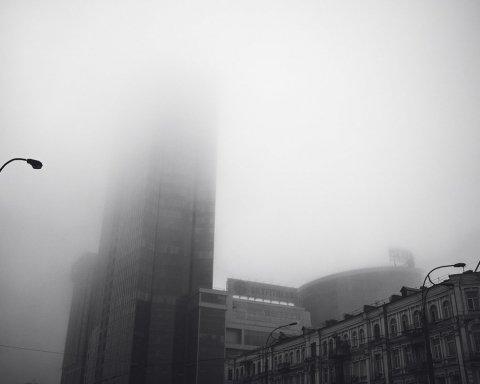 Киев парализовала непогода, город замер в пробках: где не проехать