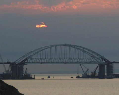 Обрушение путинского моста в Крым: в Украине рассказали, какими будут последствия