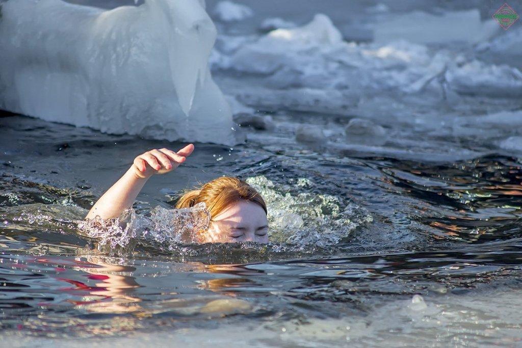 Люті морози та локдаун не заважає українцям святкувати Водохреще