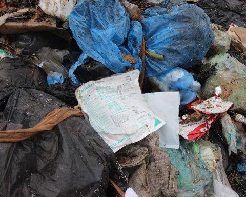 Розруха та гори сміття: з'явилися сумні новини з окупації