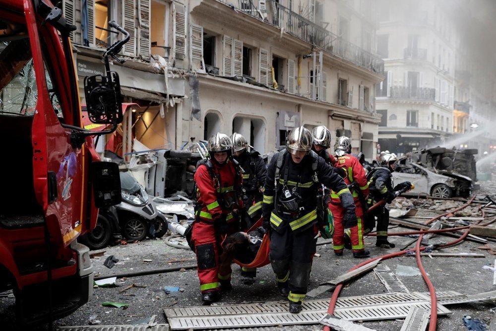 Вибух у центрі Парижу: з'явилася інформація про постраждалих