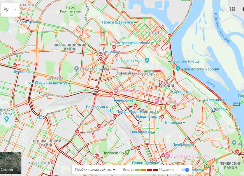 Снігопад паралізував рух у Києві: з'явилася карта заторів