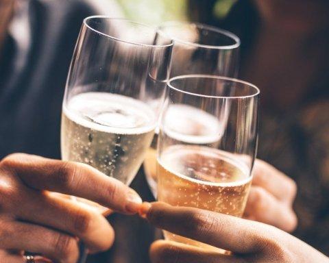 В каких странах ЕС тратят на алкоголь больше всего денег: интересные данные