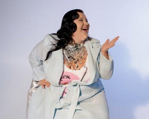 Співачка Alyona Alyona похизувалася у купальнику на відпочинку