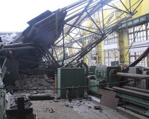 Смертельний обвал на Донбасі: з'явилися нові фото і відео