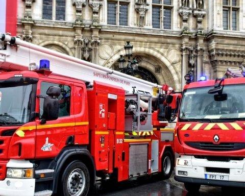 В університеті Ліона пролунала серія вибухів, почалася евакуація: момент потрапив на відео