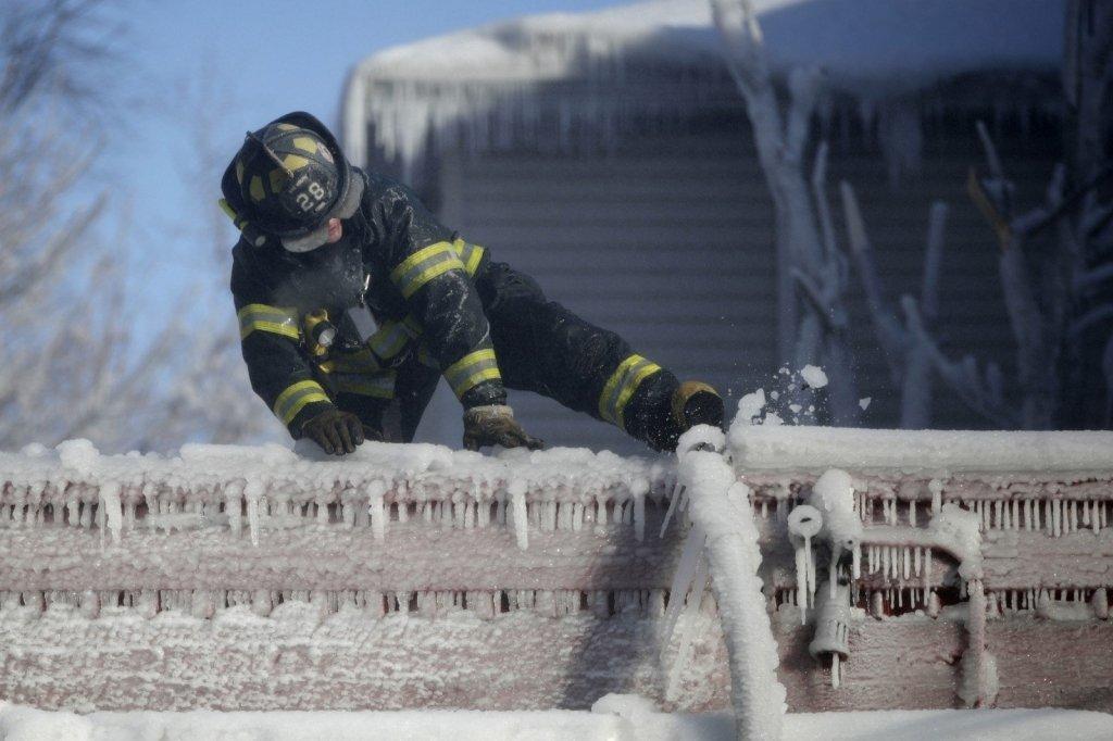 Смертельная непогода: США накрыли аномальные морозы, люди гибнут ежедневно