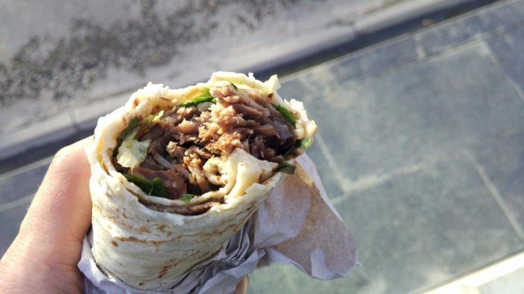 Медики розповіли, як їсти все і не гладшати: головні секрети