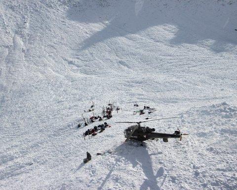 Последствия непогоды: десять человек стали жертвами лавины на известном курорте