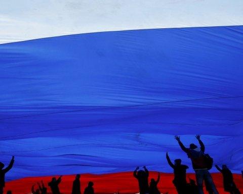 Боятся, но одобряют: Цимбалюк заметил нелогичность в настроениях россиян