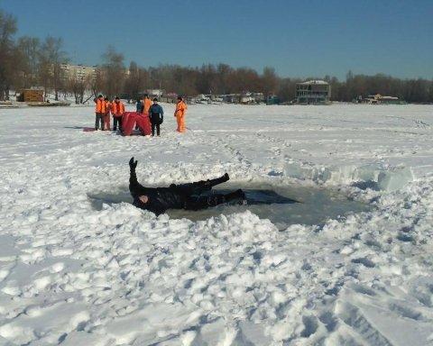 Тело нашли на льдине: на Волыни загадочно погиб школьник