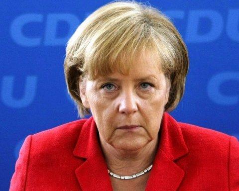 Я на боці Порошенка, але: Меркель зробила тривожну заяву щодо Росії