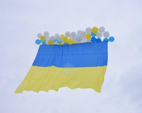 Чекала прапорів України: з'явилася сумна історія з Донбасу