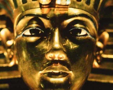 Археологи разгадали самую жуткую тайну Египта: что хранил саркофаг Тутанхамона
