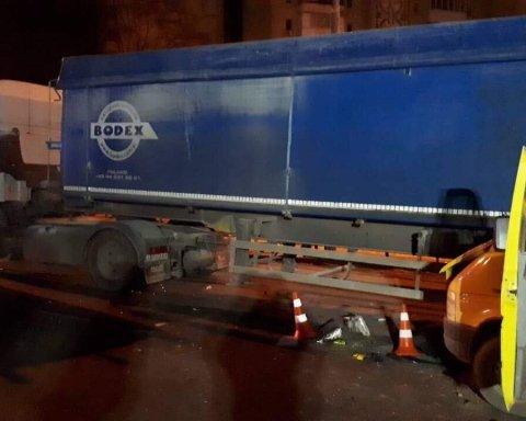 Погибли иностранцы: в Виннице произошло жуткое ДТП