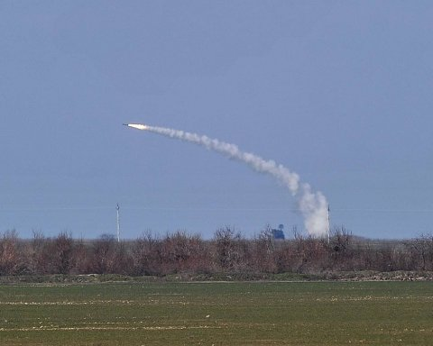 Українські військові показали, як знищать ворога ракетами: яскраві фото і відео