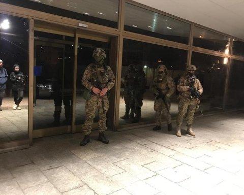 Задержание активистов в Одессе: появились фото, видео и объяснения, при чем здесь Порошенко