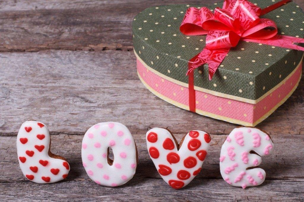 День святого Валентина: що подарувати коханій людині