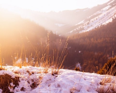 Синоптик рассказал о погоде в октябре и назвал дату, когда в Украину придет настоящая зима