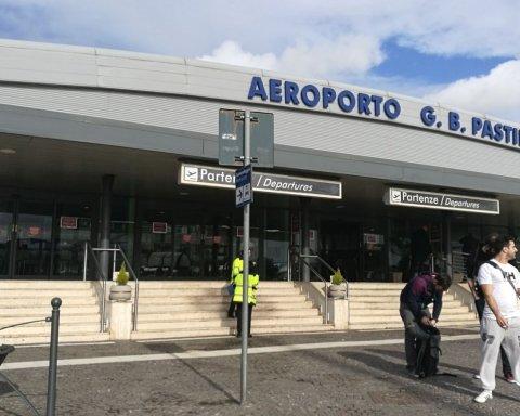 В центре Европы вспыхнул аэропорт, сотни рейсов отменены: кадры с места