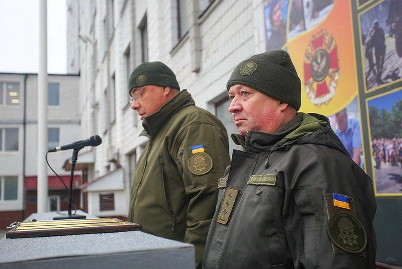 Скандал вокруг полковника, который бил украинцев на Майдане, получил продолжение
