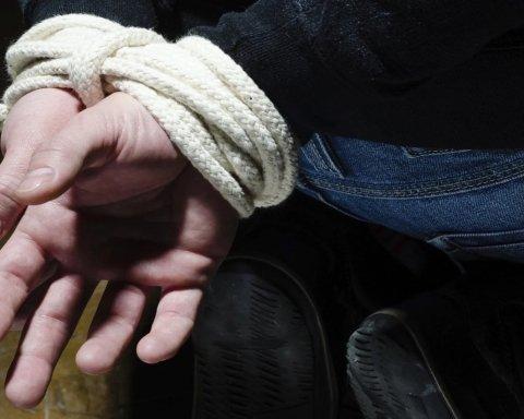 У Києві серед білого дня викрали людину: перші подробиці