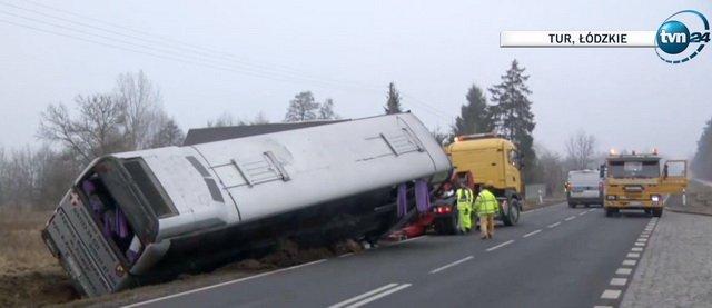 Автобус з українцями перекинувся у Польщі: що відомо про постраждалих