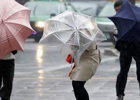 Дожди и сильный ветер: синоптик сообщила, кого в Украине затронет циклон