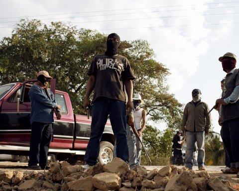 Плаче кривавими сльозами: жителів Мексики довела до паніки статуя