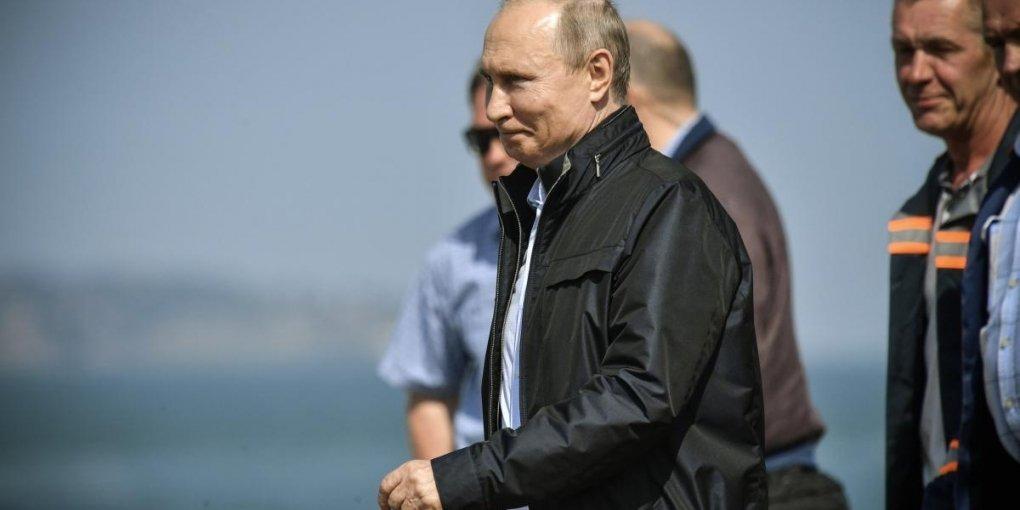 Разом із Путіним Крим відвідали скандальні політики з ЄС: опубліковано їхні імена та фото