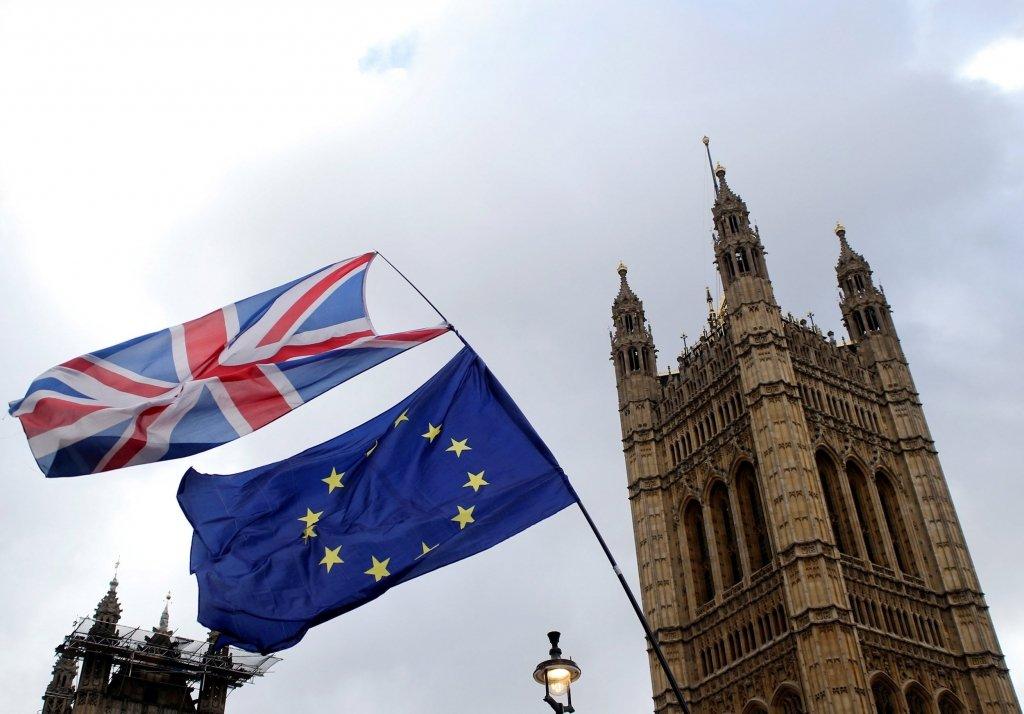 Британія і ЄС підписали ключовий документ щодо Brexit: подробиці та фото