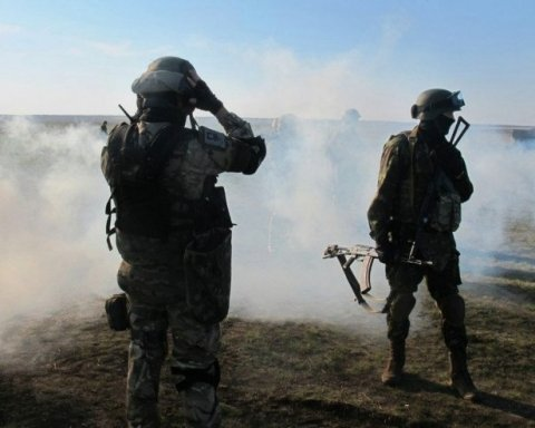 Застосували високоточну зброю: розгром позиції бойовиків на Донбасі потрапив на відео