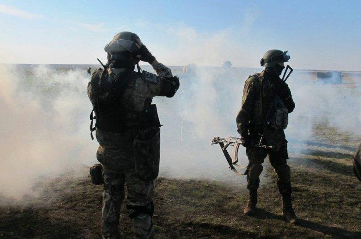 Применили высокоточное оружие: разгром позиции боевиков на Донбассе попал на видео