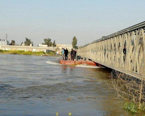 Смертельное ЧП в Ираке: на видео показали, как утонул паром